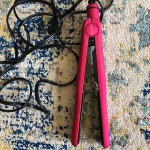 NuMe Fashionista Hair Straightener